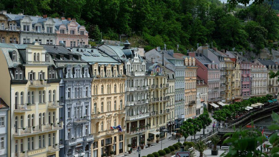 Karlovy Vary – odkud teče pitná voda do domácností a kde končí?